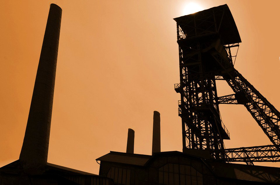 Thumbnail image for Mining, resources and energy industries are highest paid in Australia